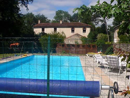 Reserve villa / house proche futuroscope