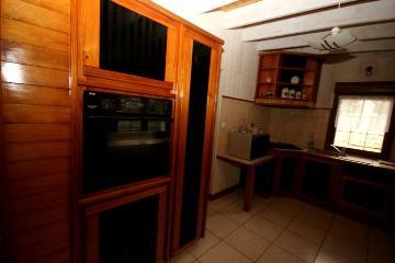 Property villa / house mézonan
