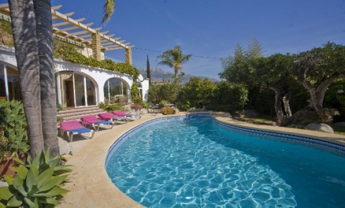 Villa / house FINCA COLADA to rent in Altea