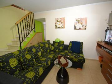 Rent villa / terraced or semi-detached house  spain