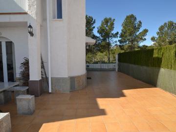 Rental villa / terraced or semi-detached house villa eden park 2