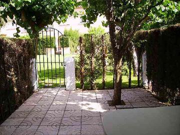 Rental villa / terraced or semi-detached house raquel