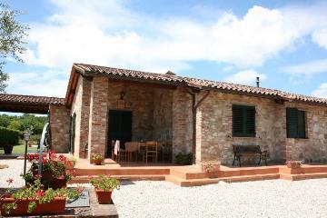 Maison traditionnelle indépendante avec piscine privée