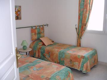 Villa / house roquebrune sur argens to rent in roquebrune sur argens