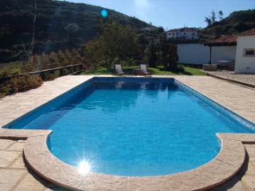 Reserve villa / house ensientada