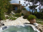 Villa / house jacuzzi surplombant la mer to rent in stoupa