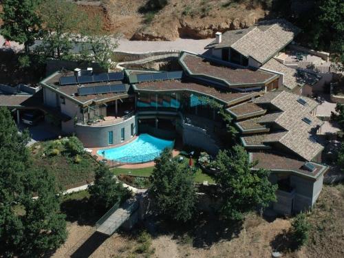 Villa / house la villa des templiers to rent in millau