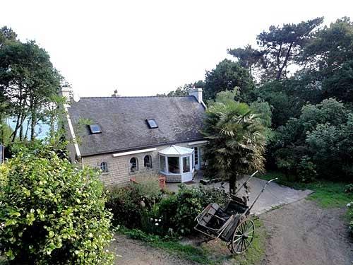 Villa / house Poullan sur mer to rent in Douarnenez