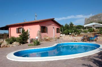 Villa / Maison Rosi à louer à Scopello