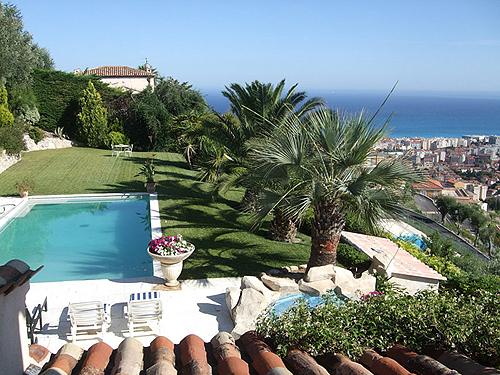 Location villa nice 10 personnes nica50 for Jardin villa ratti nice