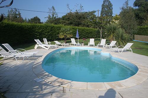 Location villa quimperl 8 personnes b996 for Piscine quimperle