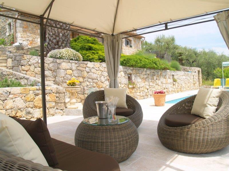 Perfect rental villa house spracdes grasse with maison du for Maison du monde grasse