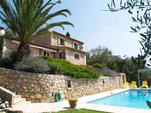 Villa / Maison Spéracédes / grasse à louer à Grasse
