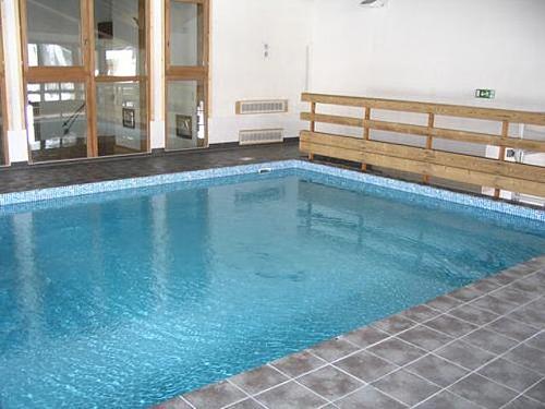 Location chalet tignes 10 personnes tignes les br vi res villas du monde - Cout piscine chauffee ...
