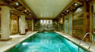 Chalet con piscina in Francia