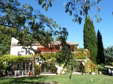 villa in Aix en Provence, view : Countryside