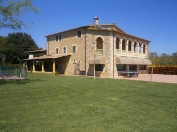 Villa / maison cornella 32505 à louer à cornella del terri