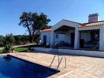 Villa / house Mondei to rent in Montemor o Novo