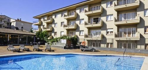 Appartement Tropic 4/6 à louer à El Estartit