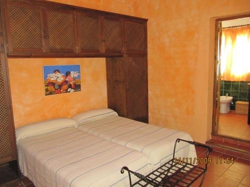 Villa / house almendro to rent in las nogales (antequera)