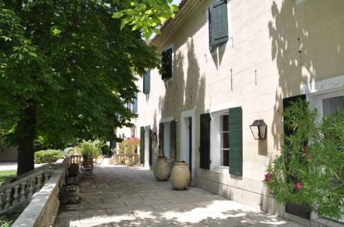 villa à Aix en Provence, vue : Montagne