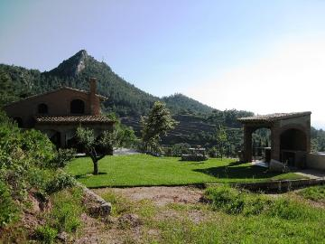 Location villa / maison falset pr02