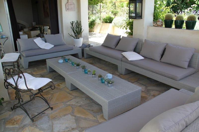 Location villa st paul de vence 7 personnes v51 for Acheter une maison a saint paul de vence
