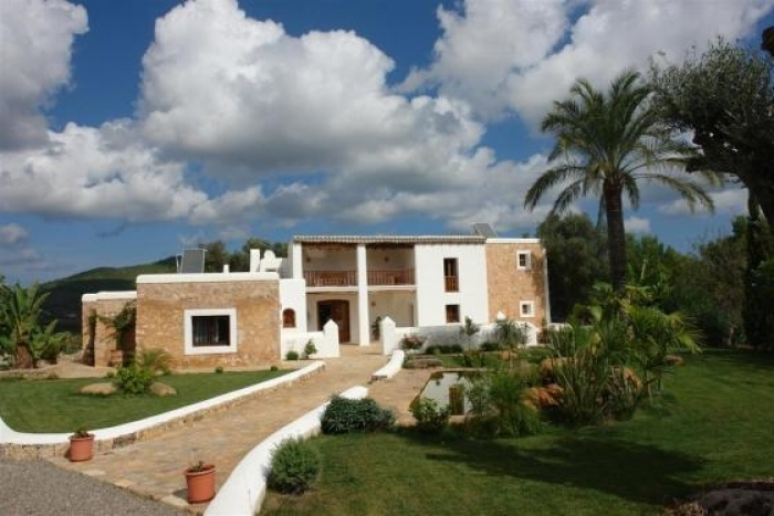 Villa / house Ibiza to rent in Sant Joan de Labritja