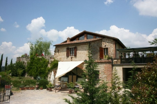 Exceptional property il forna to rent in rapolano terme