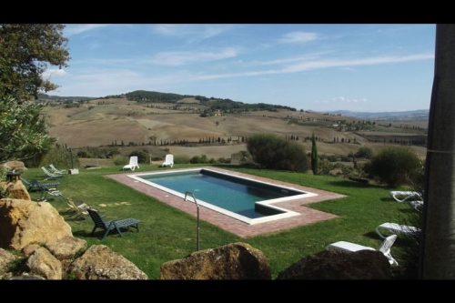 Reserve villa / house all'oppio