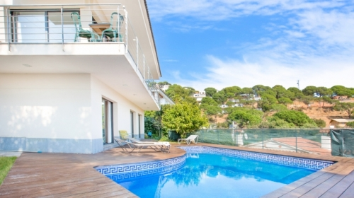 Property villa / house santi