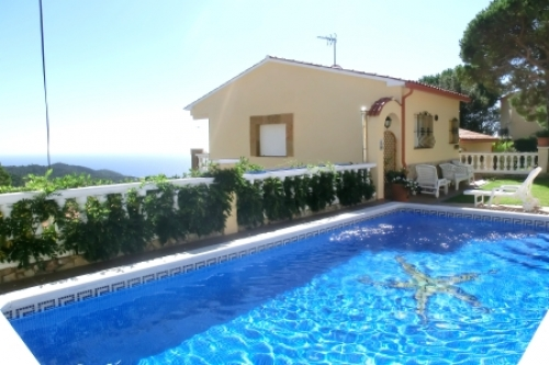 Villa / house Crisantem to rent in Lloret de Mar - Serra brava