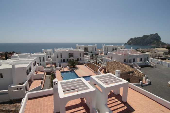 Villa / terraced or semi-detached house El mirador 4 to rent in Calpe