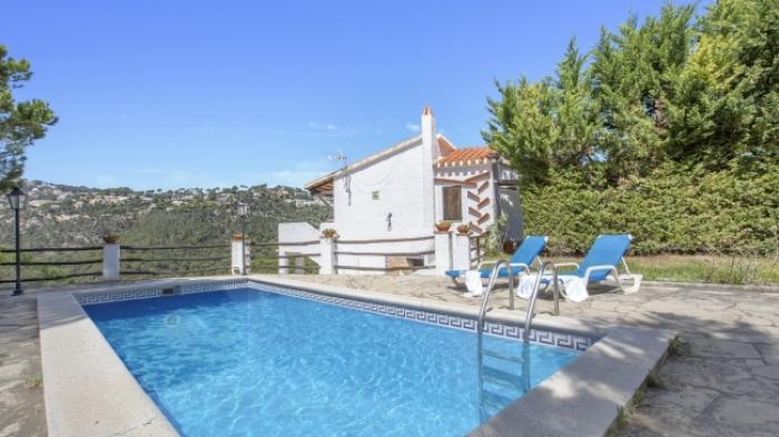 Villa / house Ibicenca to rent in Lloret de Mar