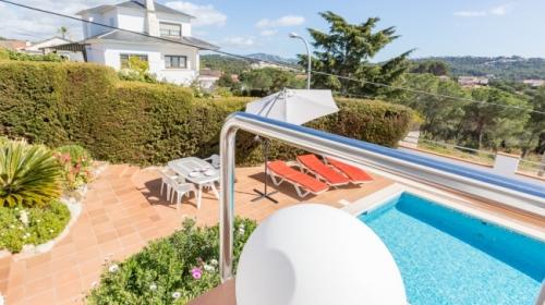 Rental villa / house nuri