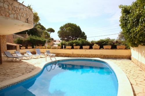 Reserve villa / house vista mar