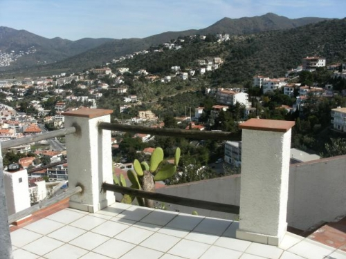 Property villa / terraced or semi-detached house puig rom