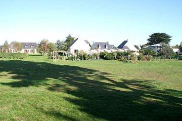 Property villa / house pouldohan