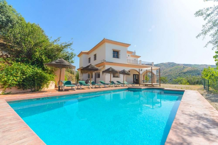 Villa / house Las palomeras to rent in Comares