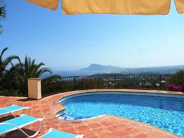 Villa / house CAPRICIO to rent in Altea