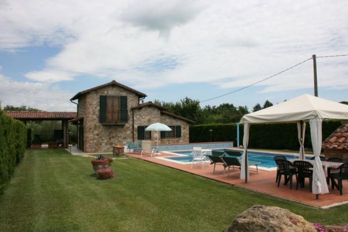 Villa / house Aballa to rent in Castiglione del Lago
