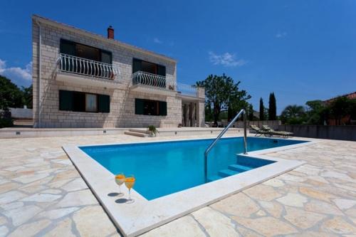 villa à Sumartin, vue : Mer