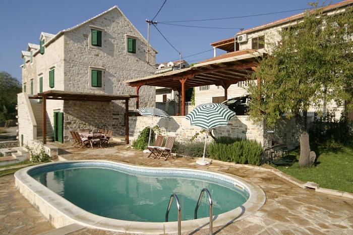 Villa / house Branka to rent in Sumartin