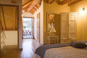 Rental villa / house vinciane