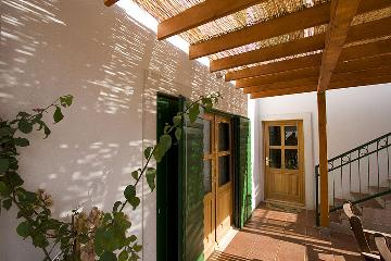 Villa / terraced or semi-detached house with private swimming pool
