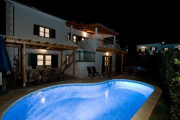 Property villa / terraced or semi-detached house elisabeth