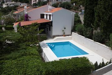Reserve villa / house caline