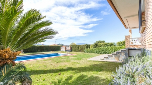Rental villa / house fina