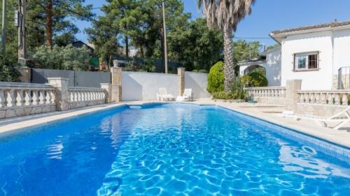 Reserve villa / house herreros