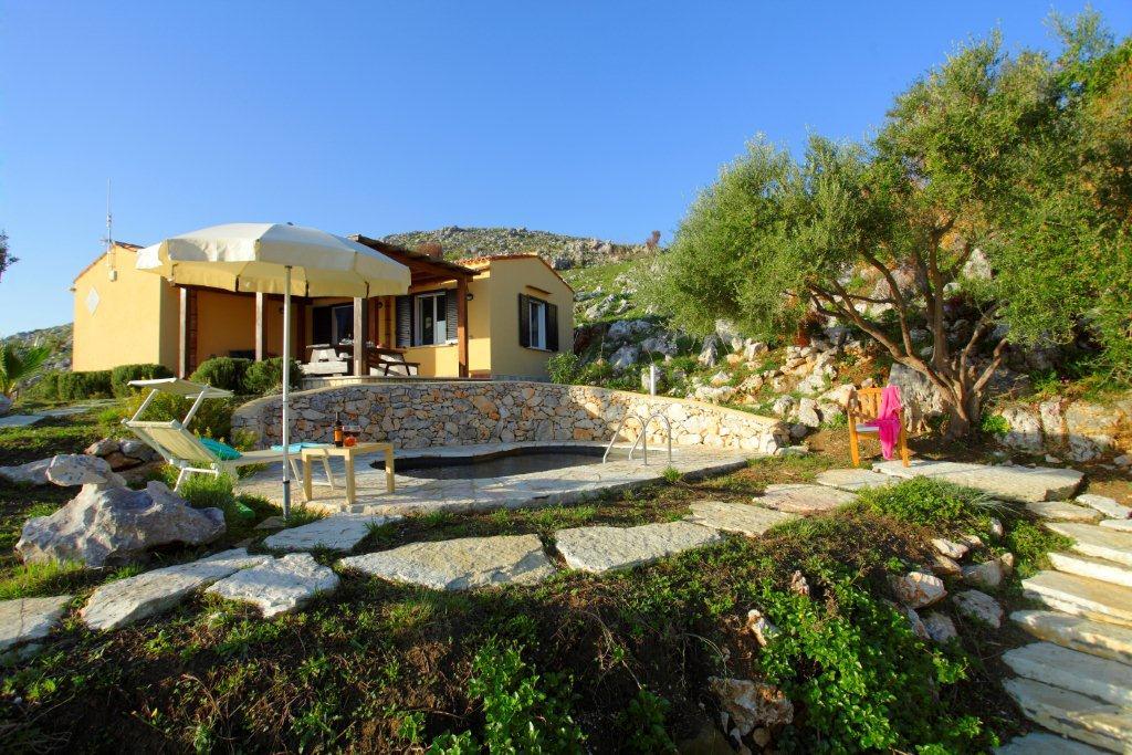 Villa / house Conchi to rent in Scopello